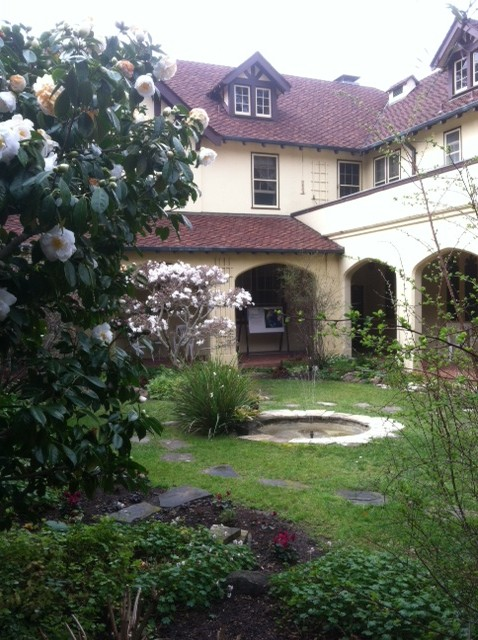 The courtyard at Santa Sabina Center, the setting for the Friends of Calligraphy retreat