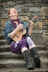 Melissa Dinwiddie - artist, performer, Uke Diva, creativity instigator