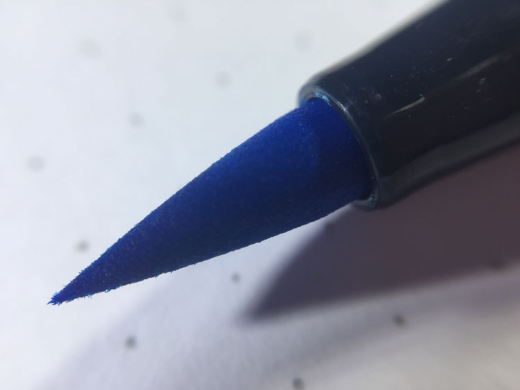 Close-up shot of the tip of a Tombow Dual Brush Pen marker tip